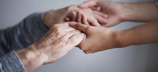 Acompanhante para idosos: cuidados especiais para pessoas que necessitam de amparo