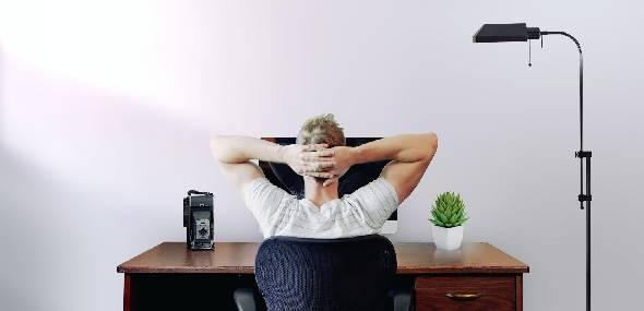 Home office: cuidado com os maus hábitos durante o trabalho em casa