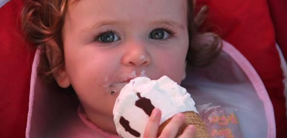 Má alimentação prejudica a saúde da criança e pode levar a complicações na vida adulta