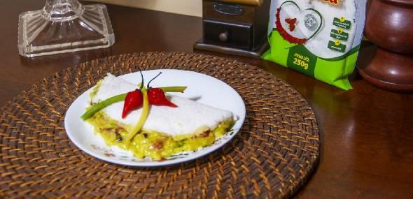 Tapioca recheada com guacamole